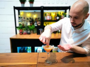 mobile cocktail bar pornstar martini